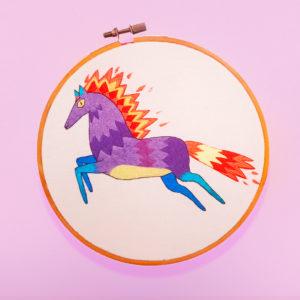 Broderie Le cheval de Juliette Oberndorfer